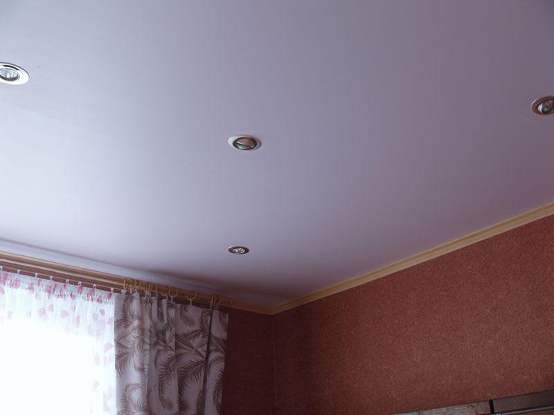 Белый матовый натяжной потолок фото
